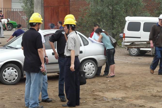 董事长与浙江建设厅长陈天明、二建周志君总经理共商救灾计划
